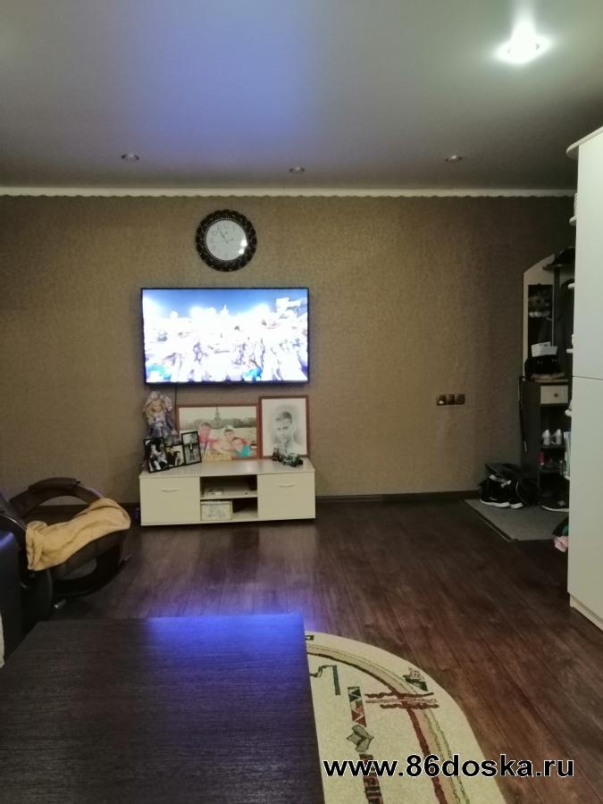 Продается 3-х комнатная квартира 3 мкр. ,  д.  1